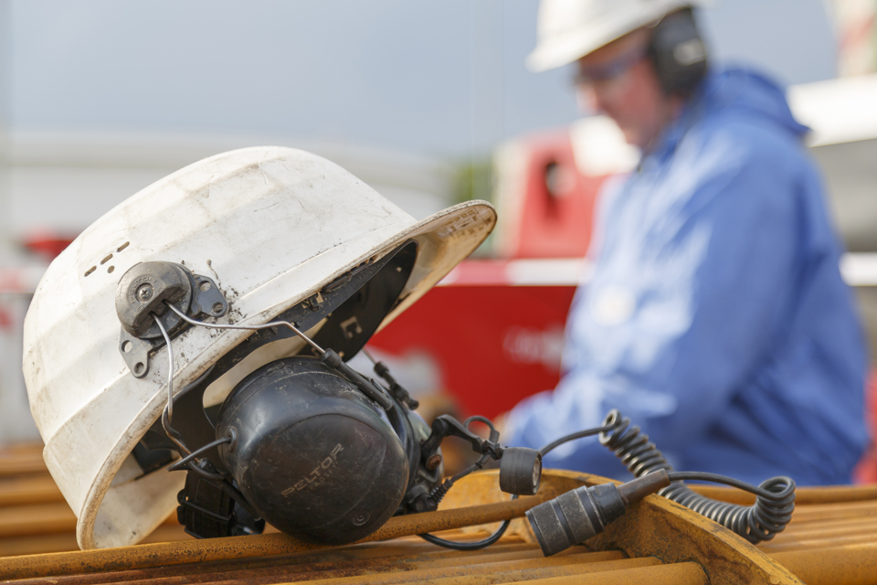 cologne_germany_safety-helmet-with-headset-01